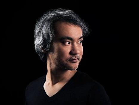 Satoshi Tomiie (foto)