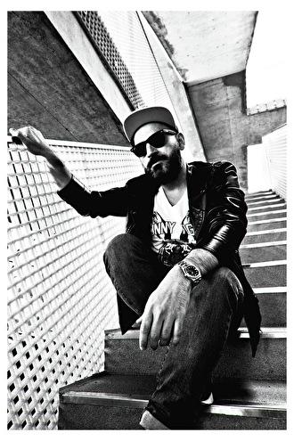 Sharam Jey (foto)