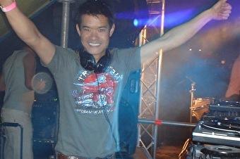 T.L. Seng (foto)