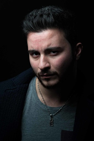 Reza Athar (foto)