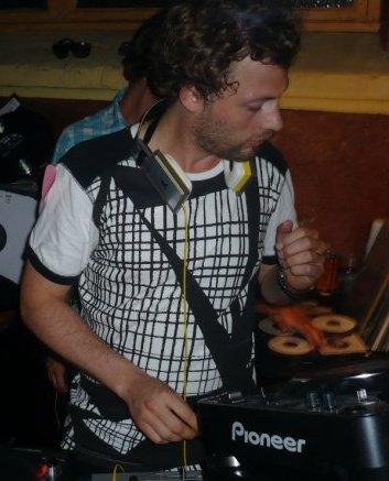 Diskjokke (foto)