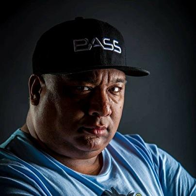 Bass-D (foto)