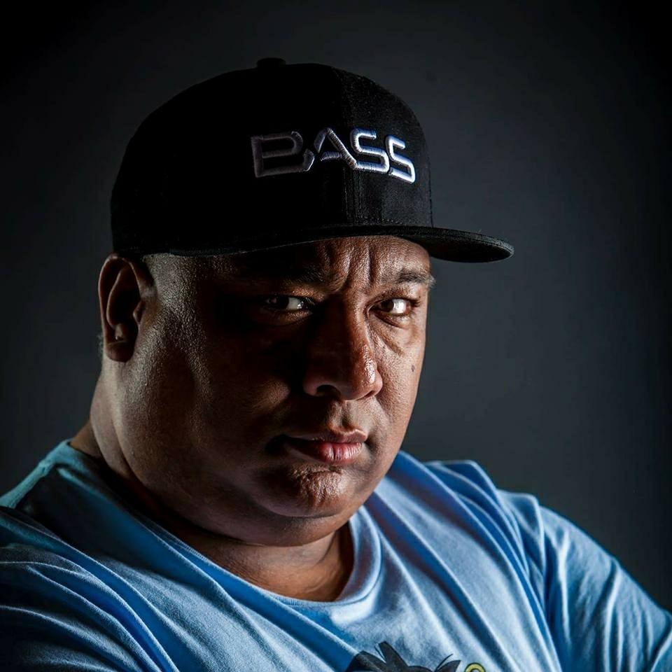 c5a99fc25b0 fans · Bass-D · Eugenio Dorwart · DJ