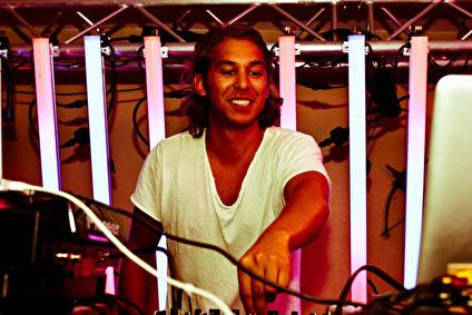 Mikael Tona (foto)