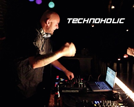 Technoholic (foto)