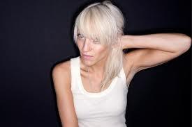 Laura Jones (foto)