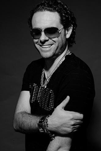 Tito Torres (foto)
