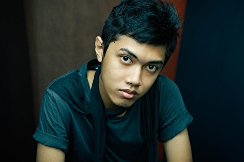 Angger Dimas (foto)