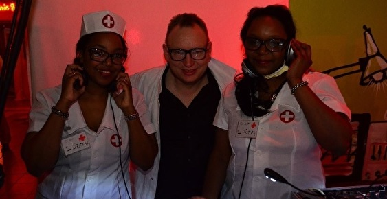 Dr Love & The Two Sisters (foto)