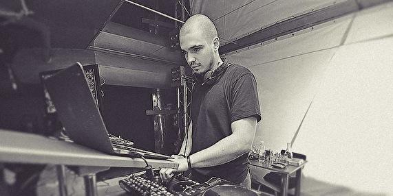 Yan Cook (foto)
