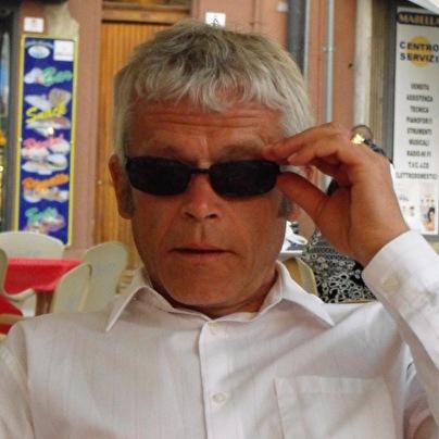 Simon Shurey (foto)