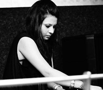 Priyanjana (foto)