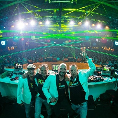 90's Forever DJ team (foto)