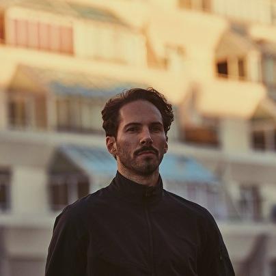 Lorenzo Senni (foto)