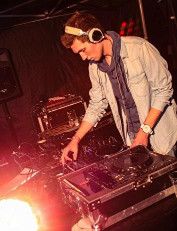 Feest DJ Raffa (foto)