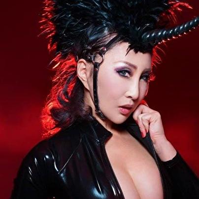 Mistress HIBIKI (foto)