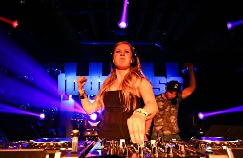 Deetox; The queen of the raw sounds (afbeelding)